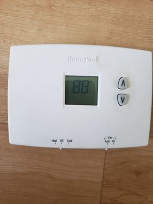 Honeywell Thermostat for Sale in St. Petersburg, FL