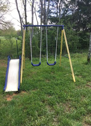 Small swing set for sale for Sale in Lewisburg, TN