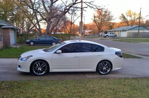 Very Nice 2OO08 Nissan Altima SLWheels Cool for Sale in Baltimore, MD