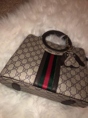 Gucci Small cross Body Bag for Sale in Concord, CA