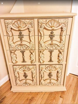 REFINISHED VINTAGE BEIGE AND GOLD CHEST OF DRAWERS for Sale in McLean, VA
