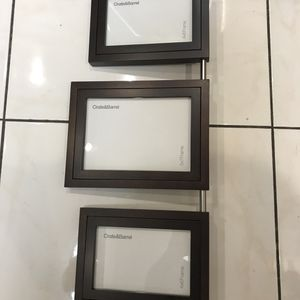 """Luxury vertical Wall Decor collage pictures frame set. Reversible on both side. Wood.4 pictures size 4""""X6"""". Two -5""""X 7"""". Can display 6 pictures. for Sale in Miami, FL"""