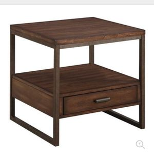 Coaster End Table Finish for Sale in San Francisco, CA
