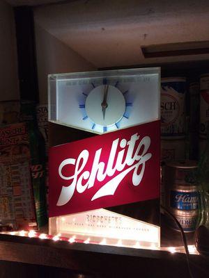 Vintage Shlitz clock light for Sale in O'Fallon, MO