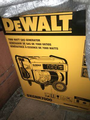 De Walt 7000 way has Generator DXGNR7000 for Sale in Miami, FL