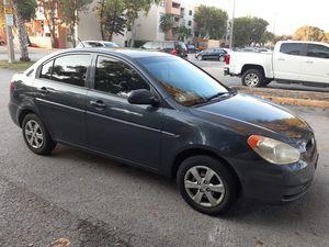 Hyundai accent 2011 for Sale in Miami, FL