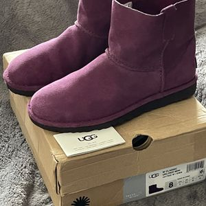Ugg's -authentic $75 Each One for Sale in Delano, CA
