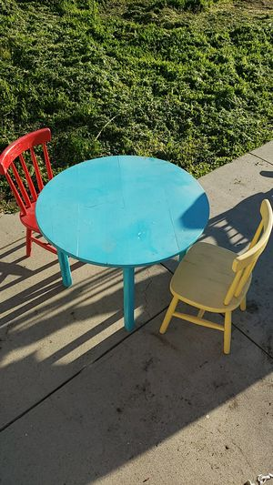 Kids table with 2 chairs. for Sale in Los Nietos, CA