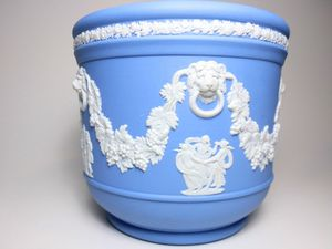 Wedgwood Jasperware Plant/Flower Pot for Sale in Garland, TX