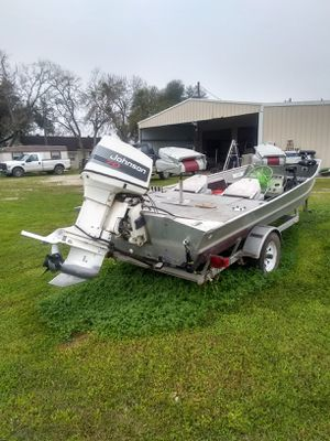 Bass tracker for Sale in Edna, TX