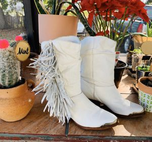 Vintage wild diva white fringe boots. Size 5 1/2 for Sale in Hollywood, FL