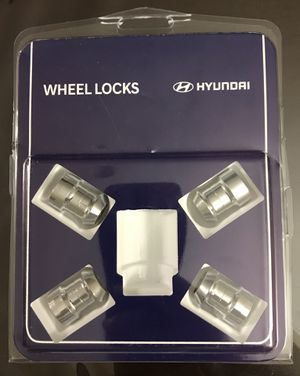 Wheel locks for Hyundai Elantra -Genuine parts for Sale in San Antonio, TX