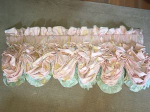 Custom-made Valance and Pillows for Sale for sale  Somerville, NJ