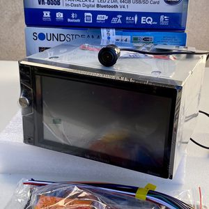 New Soundstream Double Din Car Stereo Back Up Camera And Bluetooth for Sale in East Los Angeles, CA