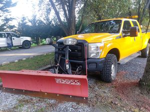 2012 Ford F350 Super duty 160k 4x4 8ft for Sale in Burtonsville, MD