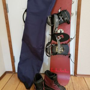 K2 Snowboard w/ bindings, Next Boots Women's Size 8 and Da Kine Bag for Sale in Puyallup, WA