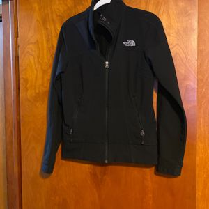 Woman's Northface Jacket Size S for Sale in Brainerd, MN