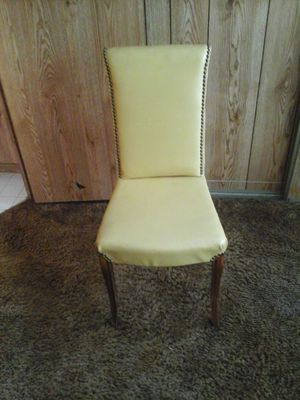 Small sturdy chair for Sale in Lakeside, AZ