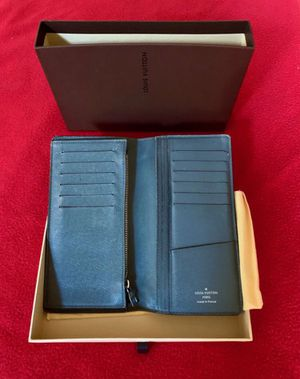 Louis Vuitton mens genuine leather wallet;made in France; new for Sale in New York, NY