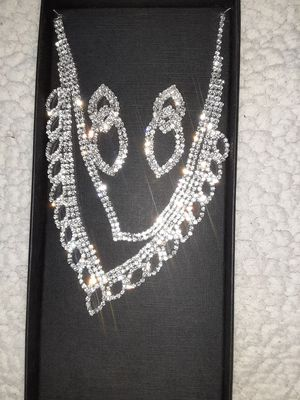 Diamond Earring/Necklace Set for Sale in DW GDNS, TX