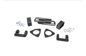 Rough country Lift/Level kit for 07-18 GM 1500 Trucks for Sale in Buffalo, NY