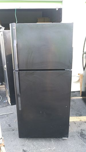 GE refrigerator for Sale in Temple Hills, MD