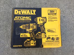 Dewalt 20v atomic drill set for Sale in Los Angeles, CA