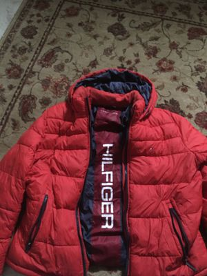 Tommy Hilfiger big bubble jacket for Sale in Manassas, VA