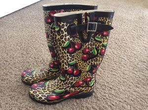 Leopard and Cherry Rain Boots (7) for Sale in Las Vegas, NV