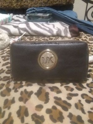 Micheal Kors wallet for Sale in Monroe, LA