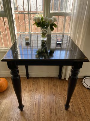 Gorgeous dark wood accent table. Must go ASAP for Sale in Los Angeles, CA