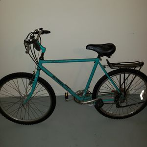Dorado Woman's Mountain Bike for Sale in Hillsboro, OR