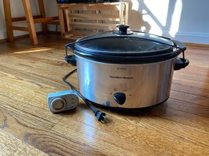 Hamilton Beach Slow Cooker + timer plug for Sale in Alexandria, VA