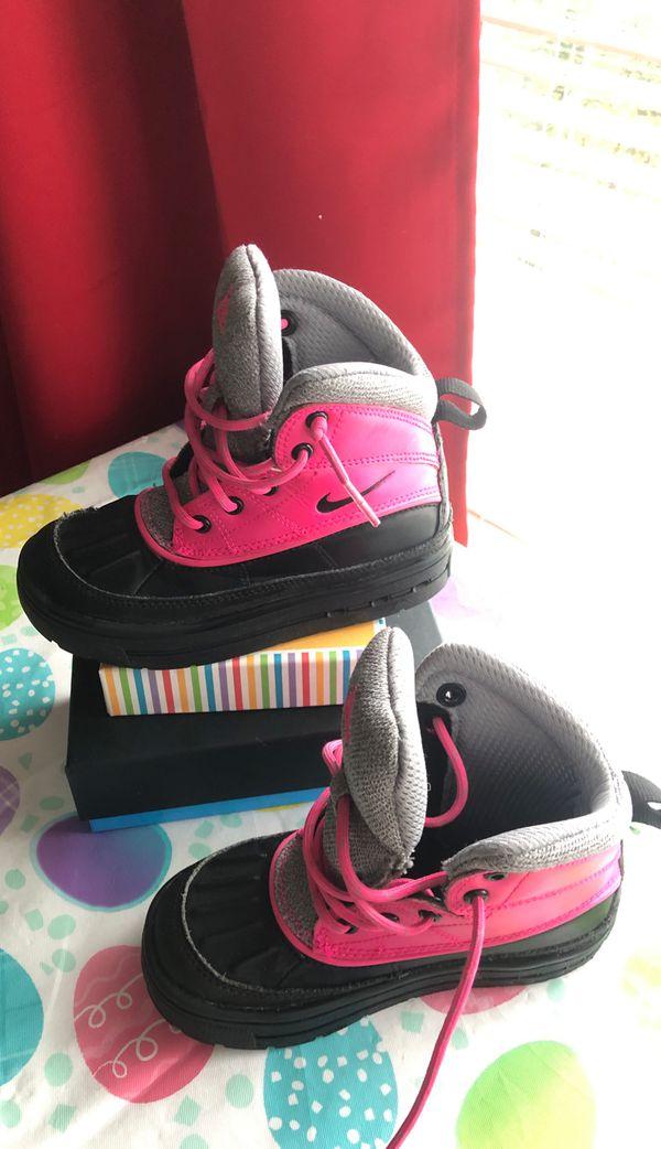 Nike hiking boots toddler