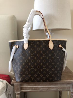 Louis vuitton neverfull bag for Sale in Alpharetta, GA