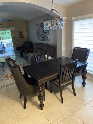 Dining/ kitchen table for Sale in Wesley Chapel, FL