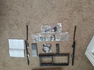 Tilt tv wall mount Hardware and instructions for Sale in Plano, TX
