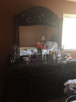Bolingbrook!!! Gently used complete bedroom set. 2 over sized night stands, dresser with mirror, and Queen bed with headboard, footboard & frame. for Sale in Chicago, IL