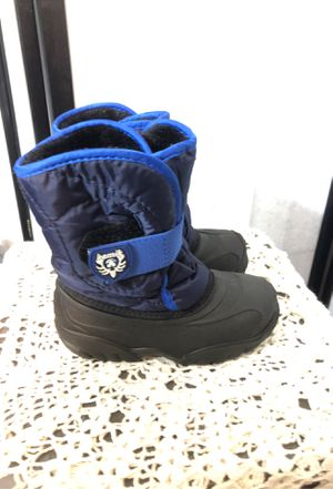 Toddler snow/rain boots for Sale in Baldwin Park, CA