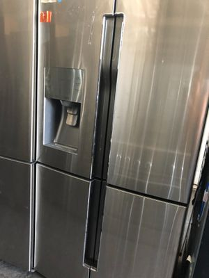 SAMSUNG FLEX STAINLESS STEEL COUNTER DEPTH REFRIGERATOR NEW FLOOR MODEL $1100-$1400 for Sale in Industry, CA
