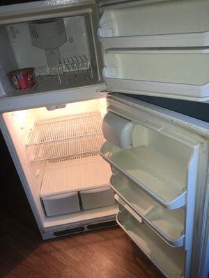 "Kenmore 30"" Standard Refrigerator for Sale in PECK SLIP, NY"