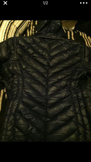 Micheal kors jacket for Sale in Detroit, MI