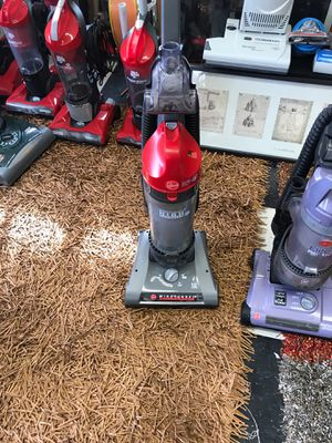 Hoover WINDTUNNEL 2 channel of suction. GREAT VACUUM AN GREAT VALUE for Sale in Tacoma, WA
