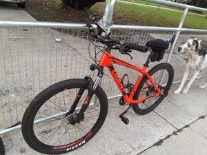 Mountain bikes 2 Giant / Liv for Sale in Wimauma, FL