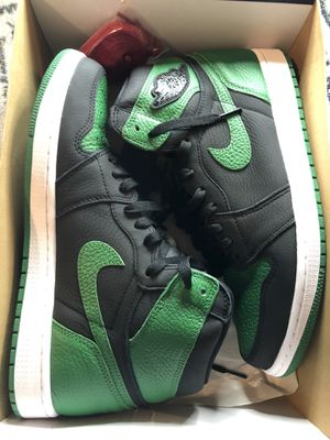 Jordan 1s pine green for Sale in San Antonio, TX
