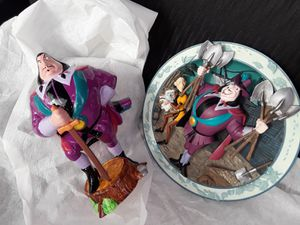 Disney pocahontas governor ratcliff Porcelain for Sale in Menifee, CA