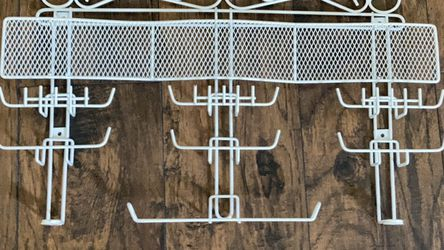 Metal Wall Decorative Jewelry Holder Rack Color White for Sale in Orlando,  FL