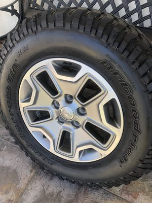 Jeep Rubicon 2017 Wheels /tires !!! Good tires... for Sale in Huntington Park, CA