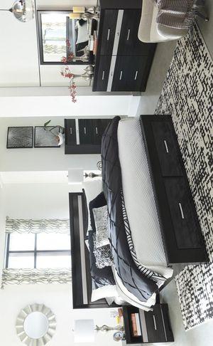 🍀[SPECIAL] Starberry Black Footboard Storage Platform Bedroom Set byAshley 🍀 for Sale in Jessup, MD