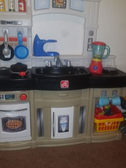 Kitchen Play Set And Grill for Sale in Chicago Ridge,  IL